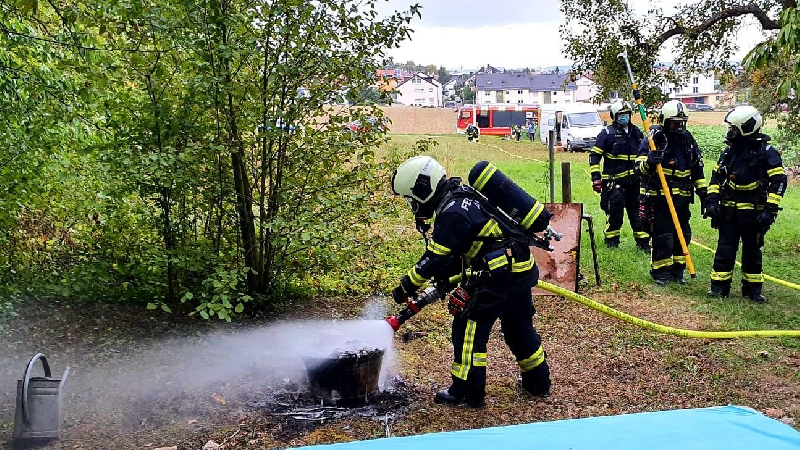 B1 - Feuer/Rauch Gartengrundstück