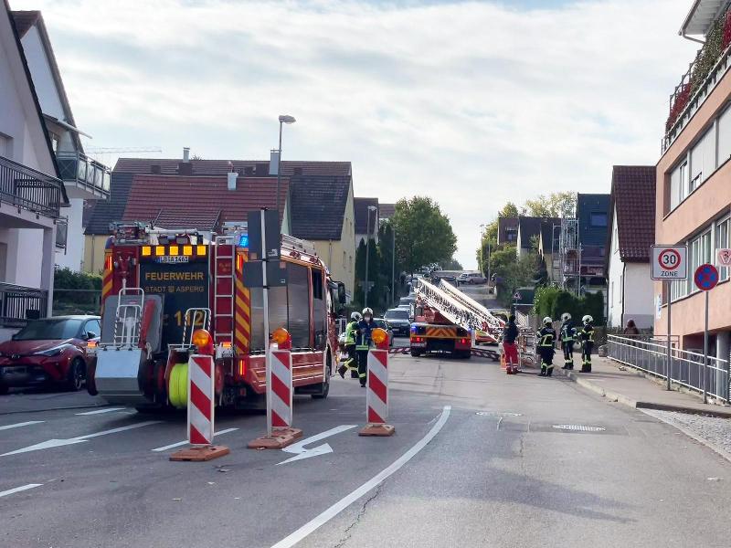 H1 - Rettung mit DLK Gebäude